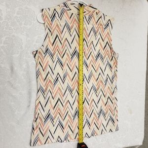 Dana Buchman Tops - Multi-colored Chevron sleeveless top